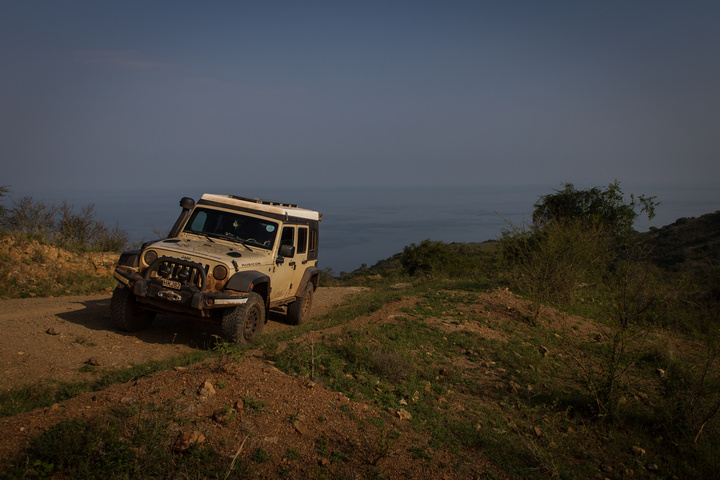 jeep lake albert photo 720x480