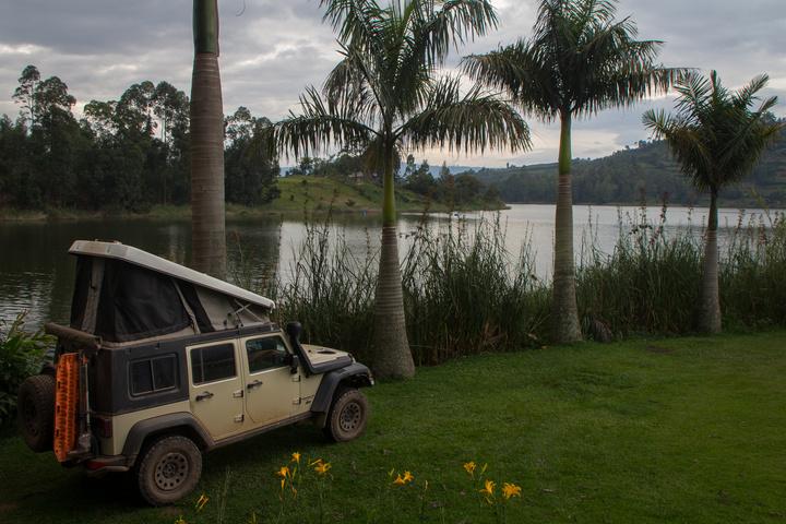lake bunyonyi jeep camping 720x480