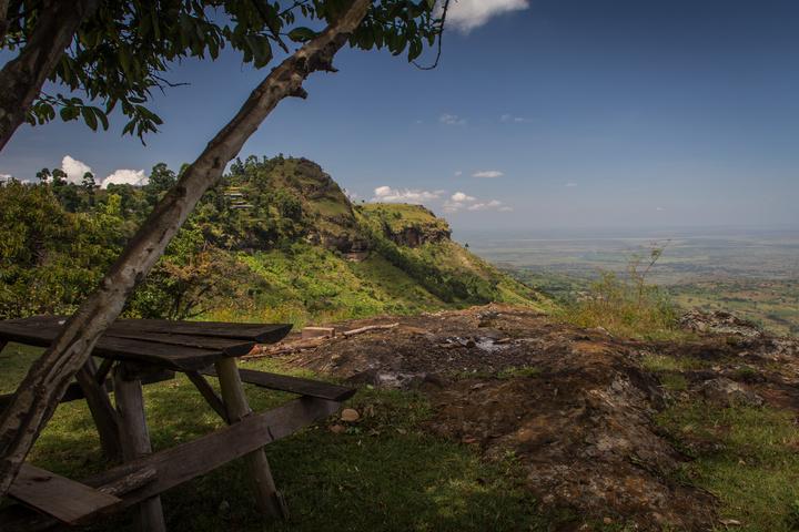 moses camp view over uganda 720x480
