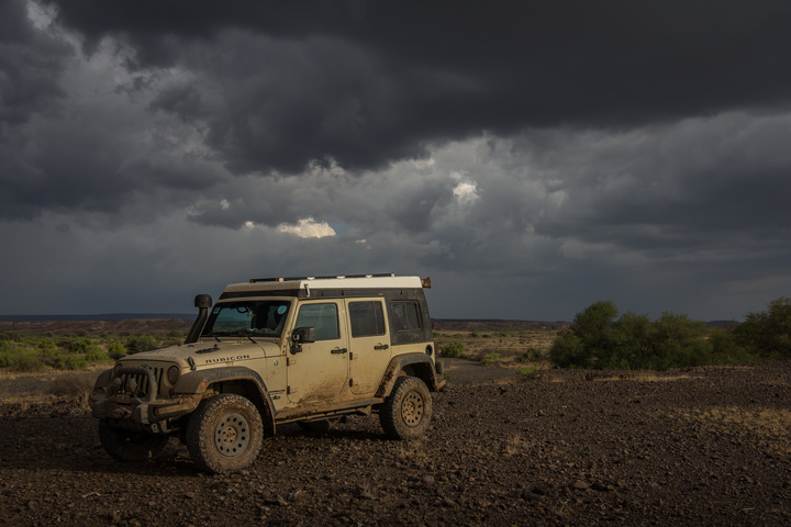 jeep approaching storm 720x480
