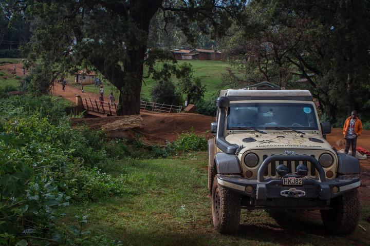 jeep kenya uganda border 720x480