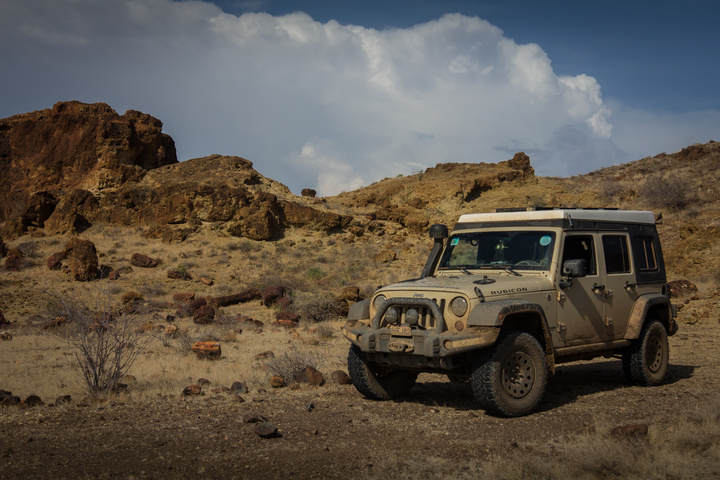 jeep rocky mountains 720x480