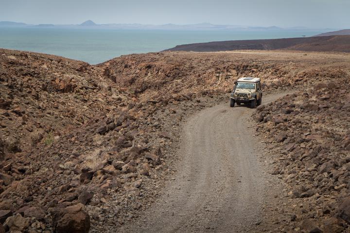 jeep rocky road 720x480