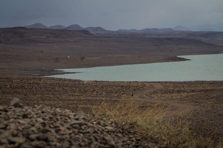 lake turkana shore 720x480