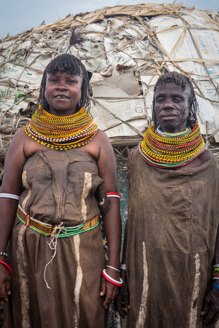 loiyangalani native ladies 320x480