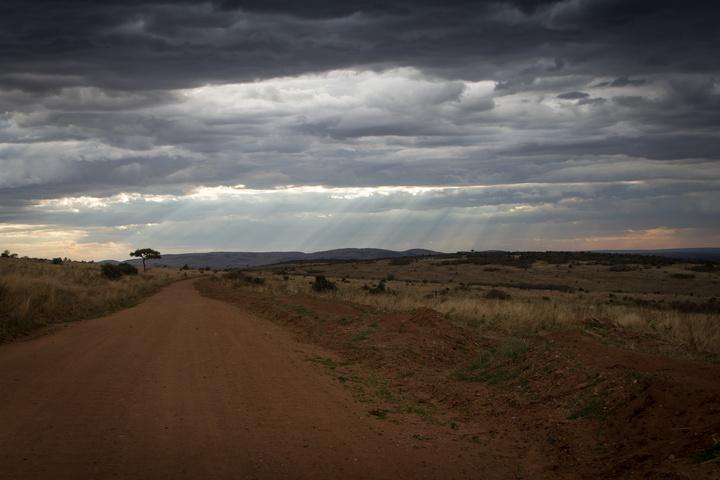 masai mara road sunshine 720x480