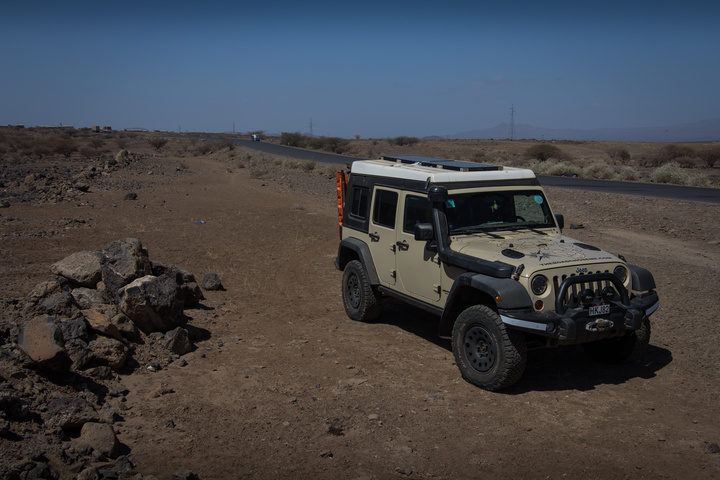 jeep isolated road to djibouti 720x480