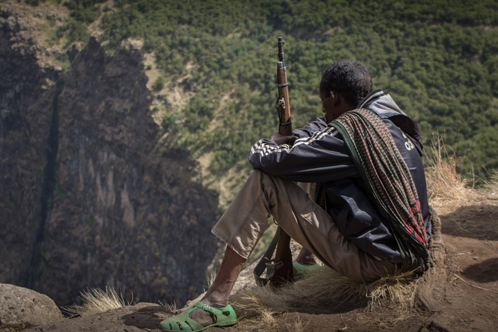 simien scout with rifle 720x480