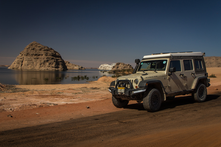 jeep egypt lake 720x480