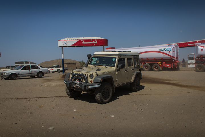 jeep gas station sudan 720x480