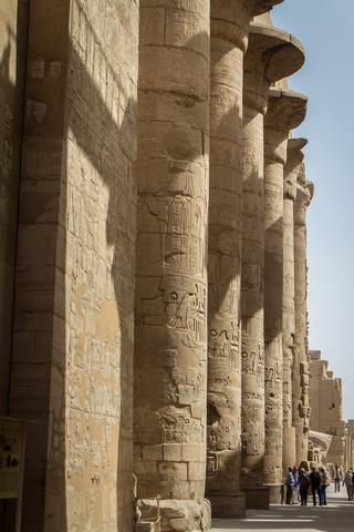 karnak columns 320x480