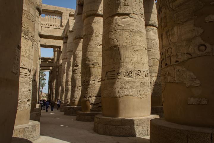 karnak massive columns 720x480