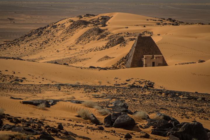 meroe pyramids sand dunes 720x480